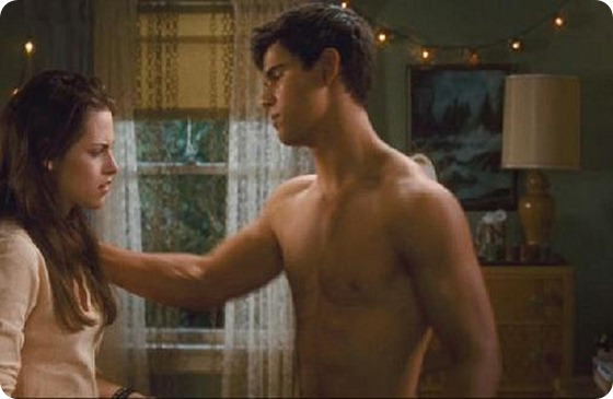 New_Moon_Bella's_Bedroom_scene_Jacob_Black