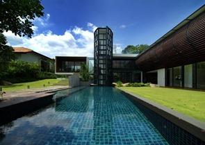 piscina-exterior-de-diseño
