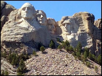 Custer-Stae-Park--Mt-Rushmore-016_th