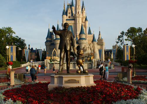 Walt-Disney-Statue