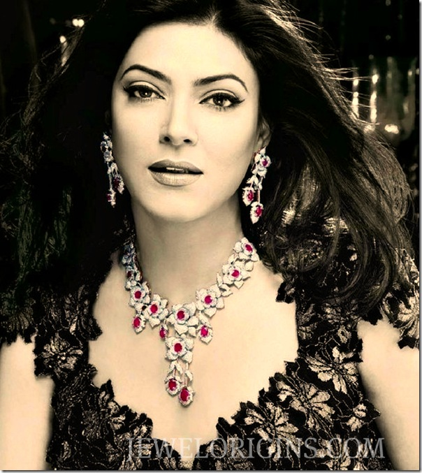 Sushmita_Sen_Designer_Gold_Necklace