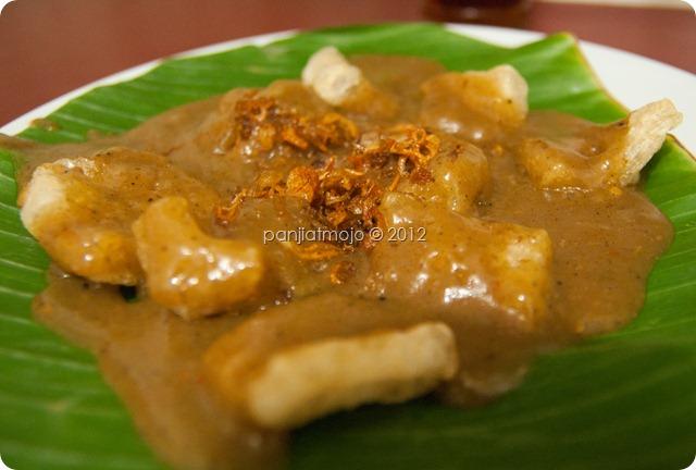 Sate Padang Ajo Ramon Cikajang | the atmojo