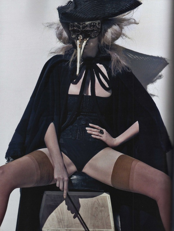 lara-stone-for-french-vogue-by-steven-klein-6