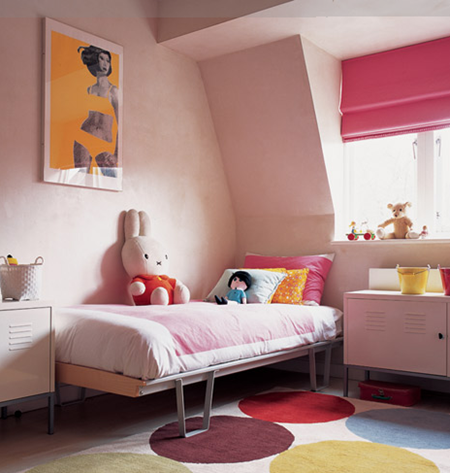 bedroom_rugcompany-us_via_remodelistapink-girls-room