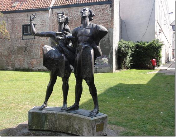 beeld de vrienden in Kortrijk