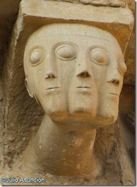 Cabeza de tres caras - San Martín de Artáiz
