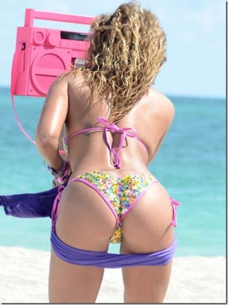 celebrity-beach-bum-36