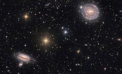 galáxias NGC 5101 e NGC 5078