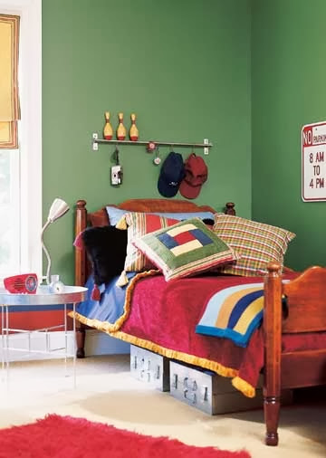 rugby-styled-boys-bedroom