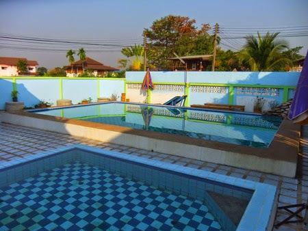 la piscina del 4T Guesthouse, Sukhothai