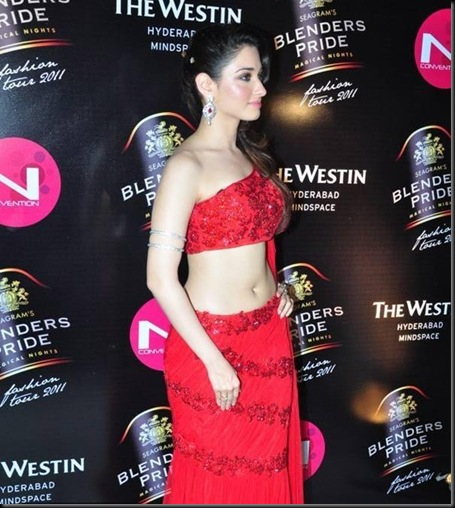 tamanna_walks_the_ramp for blenders_pride2