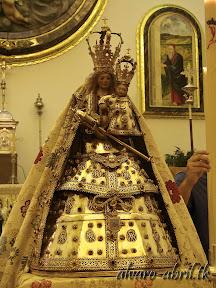 nuestra-señora-de-la-antigua-patrona-de-almuñecar-vestida-alvaro-abril-fiestas-almuñecar-2013-felicitacion-novena-procesion-maritimo-terrestre-(1).jpg