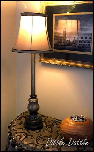 Foyer lamp