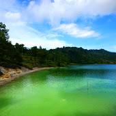 Lake Linow.jpg