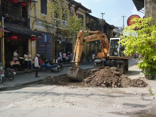 Hoi An, like much of Vietnam, is being 'upgraded'. This does not include health and safety procedures.