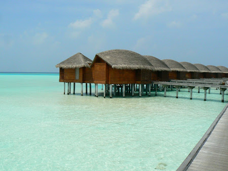 Maldives accomodation: Anantara water bungalow