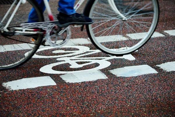 3- França resolve pagar para quem vai de bicicleta ao trabalho