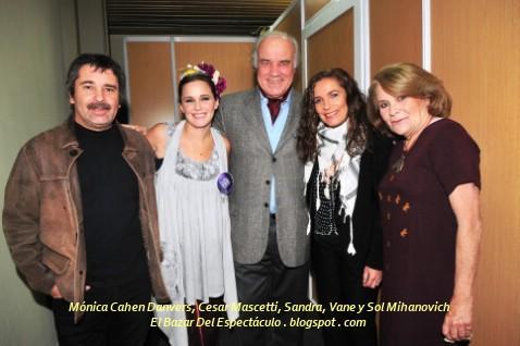 Mónica Cahen Danvers, Cesar Mascetti, Sandra, Vane y Sol Mihanovich.jpg