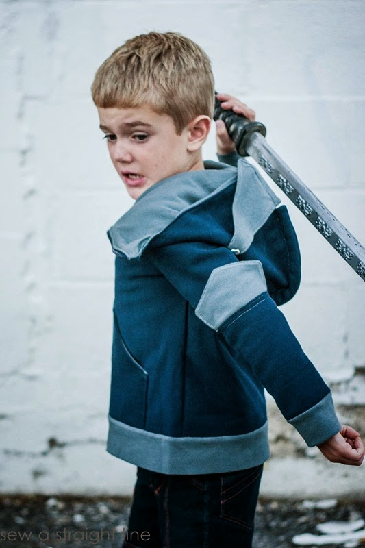 knight hoodie Sew a Staight Line-1-2