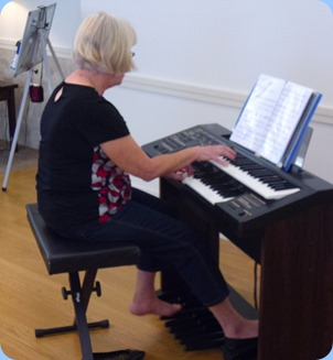 Mary Barrett playing her Yamaha Electone HC4