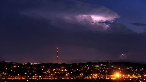 A storm brewing in the south of the Australian Capital Territory, 21 January 2013. Canberra was on track to exceed the January average for maximum temperatures, which ws 28 degrees. Photo: Graham Tidy