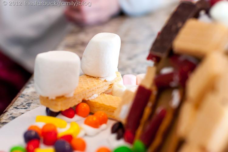 Gingerbread Houses 2012 blog-21