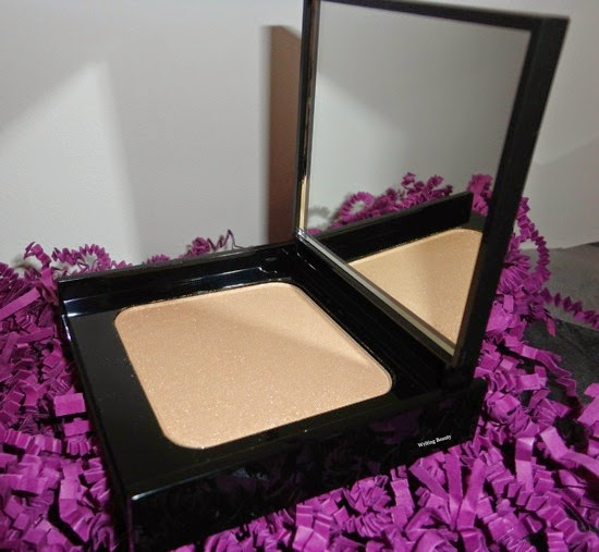 February 2015 Julep Maven Classic With a Twist Champagne Glow Highlighting Powder 1