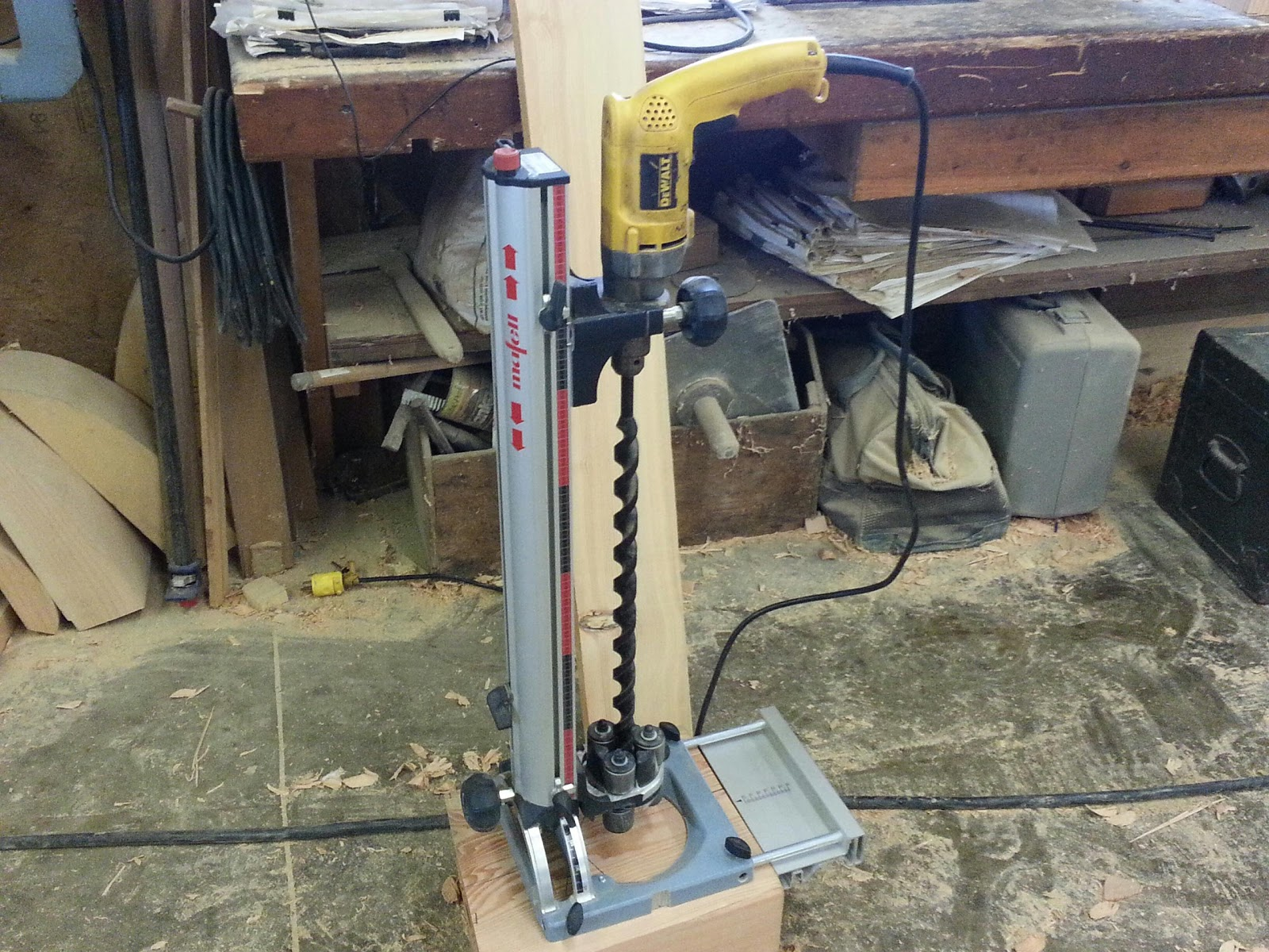 """Woodworking Answers: Drilling a perpendicular 24"""" deep hole"""