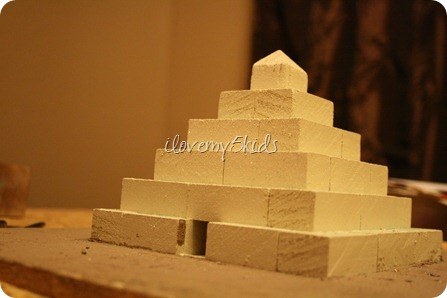 Egyptian Pyramid School Project http://ilovemy5kids.com/2011/11/homemade-egyptian-school-projects_03/