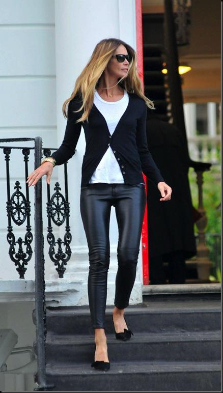 elle-macpherson-met-jeans-new[1]