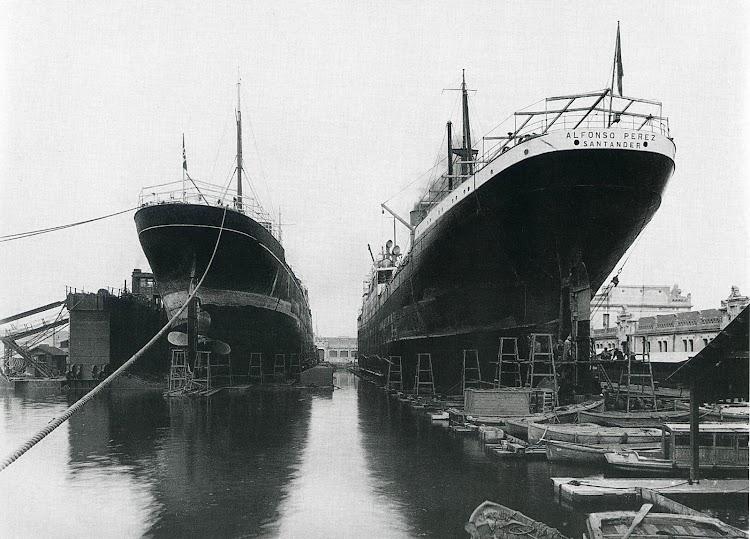 El ALFONSO PEREZ en el dique flotante y deponente de Barcelona. MEMORIA del Puerto de Barcelona. Año 1.928.jpg