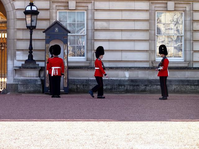 cambio-guardia-palacio-de-buckingham-londres.JPG