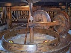 2013.09.26-004 moulin à pommes