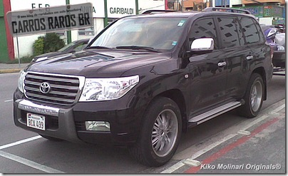 Toyota Land Cruiser VX V8 1[1]