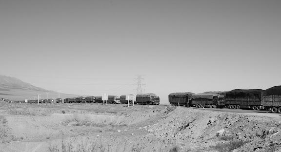 Tianshan - Caravane de camions