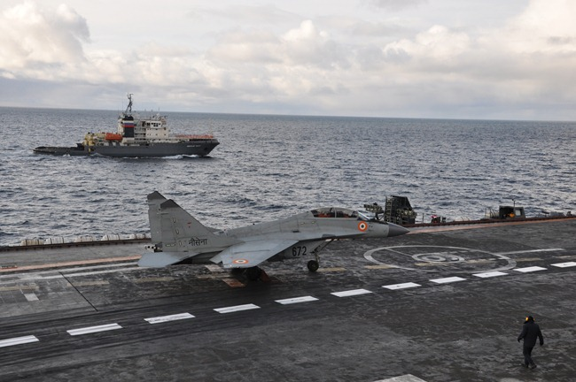 MiG-29-KUB-Indian-Navy-Fighter-Aircraft-Carrier-Kuznetzsov-Russia-01-www.aame.in
