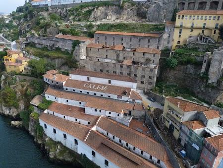 12. Case pe marginea Douro.JPG