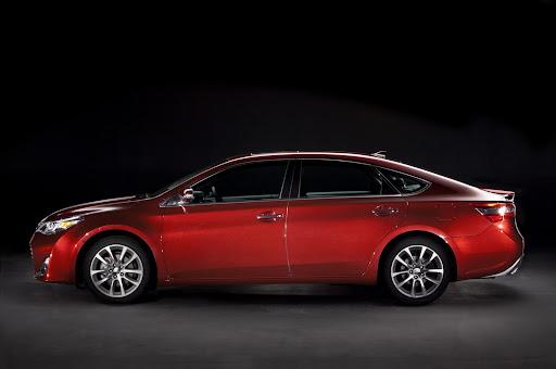 2013-Toyota-Avalon-05.jpg