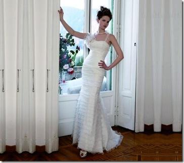 vestido para novia sencillo blanco con peinado recogido