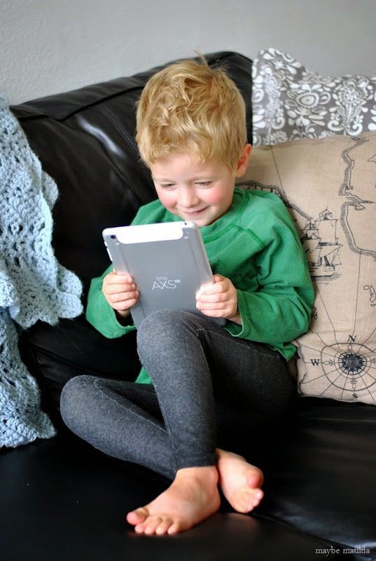 5 Ways to use a tablet to build strong relationships between family members living far away