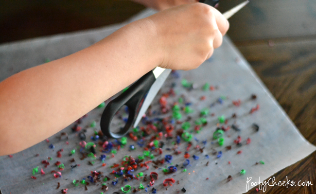 A great craft for using old crayons - Crayon 'Stained Glass' Art for Kids