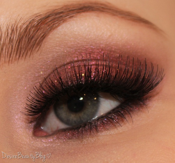 desire beauty blog sultry thursday shimmery red smokey eyes. Black Bedroom Furniture Sets. Home Design Ideas