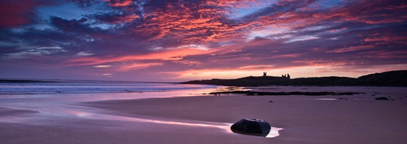 Blog - Dunstanburgh Sunrise (Nov 2007) 1029