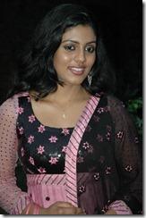 iniya_tamil_actress_pic