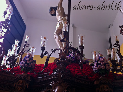 exorno-floral-salud-granada-hermandad-salesianos-semana-santa-2012-alvaro-abril-(17).jpg