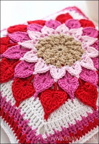 crochet-cushion4