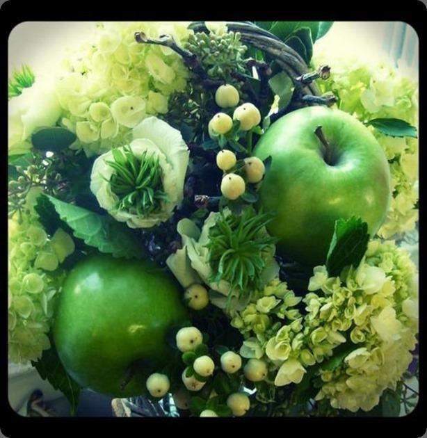 581764_537812212925995_1556441268_n roberts flowers