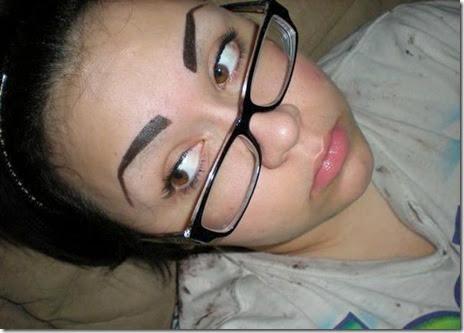 women-scary-eyebrows-060