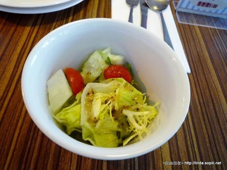 沙拉-生菜番茄,油醋醬