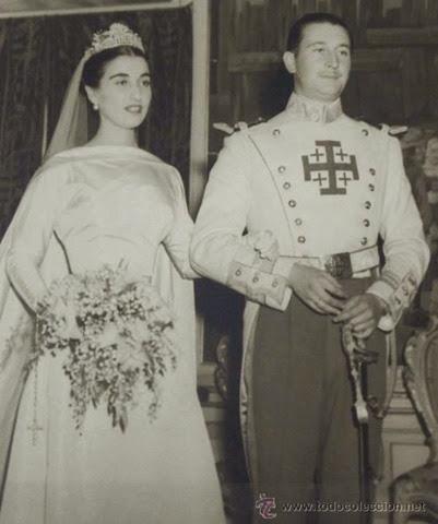 Antigua fotografia original de la Boda de Carmen Franco Polo con Cristóbal Martínez-Bordíu,